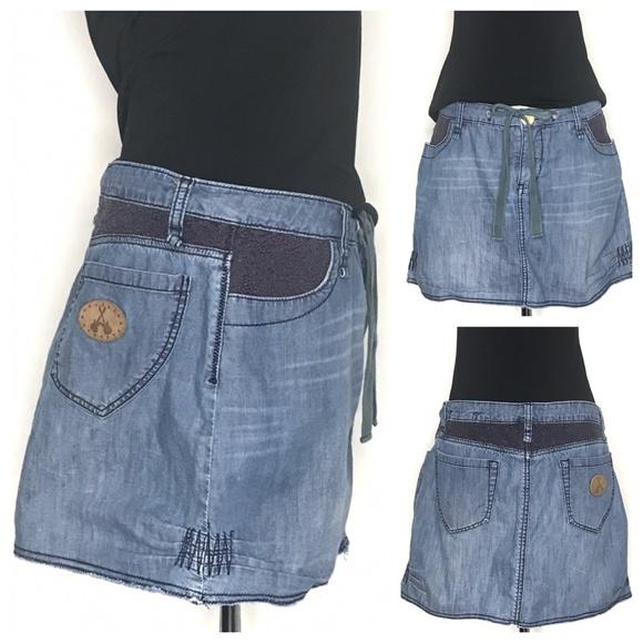 BCBGirls Dresses & Skirts - BCBGirls Blue Crochet Denim Mini Skirt A160407